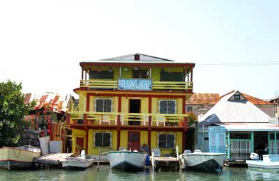Just A Stones Throw Away From The Water Taxi Terminal Belize Swing Bridge And Commercial Center Belove Provides Warm Comfortable Cozy